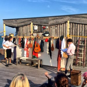 Three Inch Fools perform Romeo and Juliette on Hastings Pier