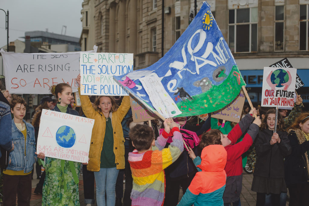RISING TIDE – Youth Climate Protest in Hastings – Hastings